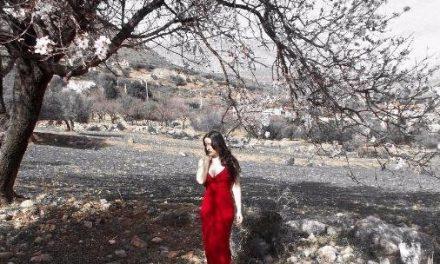 Scarlet Woman – Rachel M ft Mike Garson